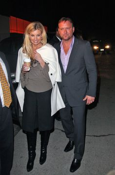 Tim McGraw Photos Photos - Celebs attend a Beverly Hills Mansion Party and pose for some pictures on their way out. Country Love Songs, Country Singers, Country Music, Tim Mcgraw Family, Chris Lane, Tim And Faith, Tim Mcgraw Faith Hill, Country Artists, Kenny Chesney