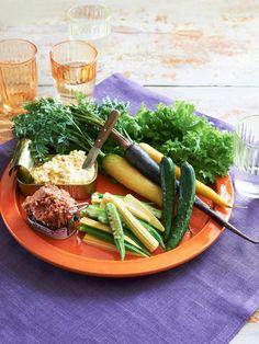 見た目も豪華! 缶詰ディップで即席バーニャカウダ|『ELLE gourmet(エル・グルメ)』はおしゃれで簡単なレシピが満載!
