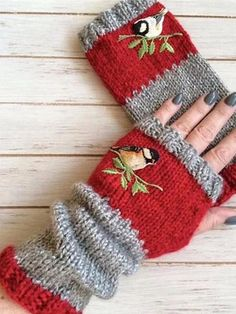 Autumn Winter Casual Basic Flora Knitted Gloves Red / One-size Red Accessories, Knitting Accessories, Accessories Online, Bird Patterns, Knitting Patterns, Bracelet Crochet, Fall Knitting, Fingerless Mitts, Crochet Gloves