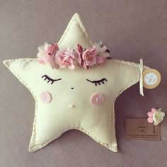 Handmade little crowned star cushions x by Isaidsokids on Etsy Felt Crafts, Kids Crafts, Diy And Crafts, Arts And Crafts, Cute Pillows, Diy Pillows, Decorative Pillows, Tooth Pillow, Tooth Fairy Pillow