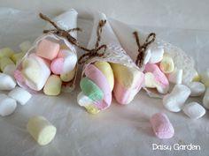 Daisy Garden: Candy cones per una festa di compleanno e un'annuncio!