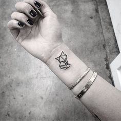 40 Lovely Origami Tattoo Designs (In Trend) Tiny Tattoos For Girls, Cute Tiny Tattoos, Trendy Tattoos, Mini Tattoos, Small Tattoos, Tattoos For Guys, Tattoos For Women, Small Fox Tattoo, Origami Tattoo