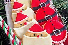 Sugarcookies ή αλλιώς τα μπισκότα του Άγιου Βασίλη. Κόβονται σε ό,τι σχήμα υπάρχει, συνήθως διακοσμούνται με royal icing ή ζαχαρόπαστ�% Cupcakes, Seasons, Cookies, Sweet, Desserts, Christmas, Recipes, Food, Crack Crackers