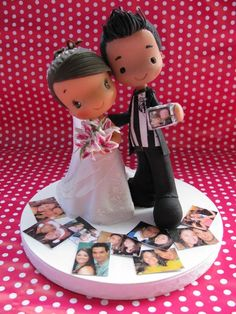 Caricature cake topper...     Fofinhos by Patricia Tiyemi ^.^, via Flickr - too cute! Polymer Clay Cake, Fondant Figures Tutorial, Wedding Canvas, Themed Wedding Cakes, Cute Clay, Cute Wedding Ideas, Sugar Art, Cute Cakes, Cold Porcelain