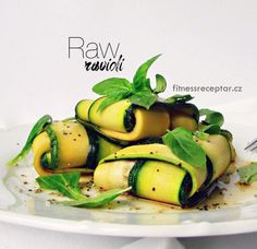 RAWioli Sugar Free Recipes, Vegan Recipes, Vegan Meals, Raw Vegan, Pickles, Cucumber, Zucchini, Paleo, Vegetables
