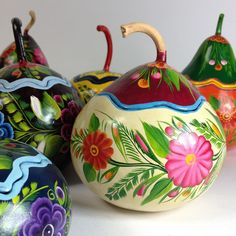 Buy authentic Mexican Folk Art and Mexican crafts! These are our most recent additions of Mexican crafts to the Zinnia Folk Arts Online Shop. We like the ART in folk art! Arts And Crafts, Diy Crafts, Gourd Crafts, Hand Painted Gourds, Gourds Birdhouse, Art Carved, Arte Popular, Gourd Art, Mexican Folk Art