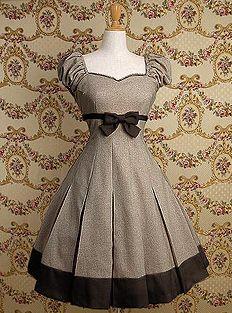 Brown classic lolita dress.