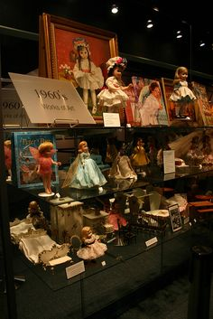 Madame Alexander Doll Factory Wouldn;t I love to see this! They had closed the museum the last time I was in NYC. Antique Dolls, Vintage Dolls, Vintage Madame Alexander Dolls, My Doll House, Doll Display, Annex, New Dolls, Barbie Collector, I Love Girls