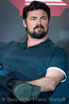Karl Urban Movies, Urban Pictures, Simon Pegg, Star Track, Vintage Boys, Nice To Meet, Best Actor, Gorgeous Men, Trek