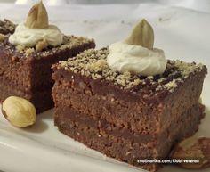 Ferrero kocke samo za istinske ljubitelje lješnjaka i čokolade Mini Desserts, Dessert Cake Recipes, Christmas Desserts, Chocolate Desserts, Easy Desserts, Dessert Simple, Wine Recipes, Baking Recipes, Cookie Recipes