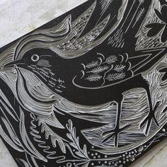 One of the cut blocks of Mark Hearld's 'Ballindalloch Blackbird' linocut print… Lino Art, Collagraph, Linocut Prints, Woodcut Art, Tampons, Wood Engraving, Woodblock Print, Art Techniques, Block Prints