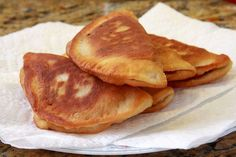 Southern Recipe for fried Peach turnovers. I remember my grandmother making these sometimes with dried apricots. We called them Fried Pies Recipe For Fried Peach Pies, Fried Apple Pies, Fried Pies, Empanadas, Pie Dessert, Dessert Recipes, Apple Desserts, Mini Desserts, Dessert Ideas
