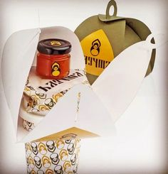 Any design request? Contact me! #giftbox  #cardboardbox #customized #packagedesign #corrugatedbox #melbournedesigner #package #food #takeaway #takeawaycoffee #melbourne by cardboard.master