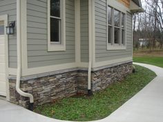 Bucks County Southern Ledgestone with Grey water table sills by Boral Cultured Stone.