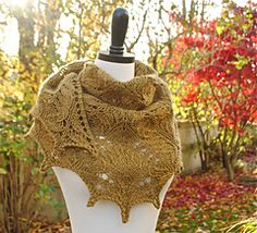 Love this shawl on Ravelry!!