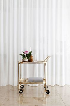 """Exceptional """"gold bar cart styling"""" detail is offered on our web pages. Take a look and you wont be sorry you did. Brass Bar Cart, Gold Bar Cart, Bar Cart Styling, Bar Cart Decor, Decoration Inspiration, Interior Inspiration, Decor Ideas, Modern Interior, Interior Design"""