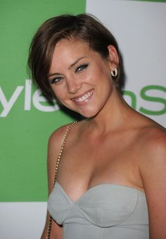 Jessica Stroup Short Straight Cut - Click image to find more Hair & Beauty Pinterest pins