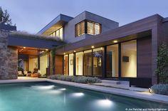 ▷ Luxury Bauhaus-style villa - WeberHaus- ▷ Luxusvilla im Bauhaus-Stil – WeberHaus Bauhaus style Villa Plan, Luxury Modern Homes, Modern Mansion, Bauhaus Style, Prefabricated Houses, Villa Design, Home Fashion, Villas, Modern Architecture
