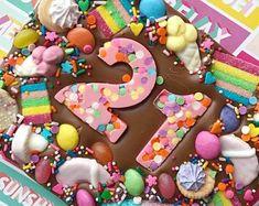 Chocolate Shapes, Chocolate Donuts, Chocolate Bark, Chocolate Gifts, White Chocolate, Birthday Chocolates, Birthday Treats, Homemade Chocolate Bars, How To Make Chocolate