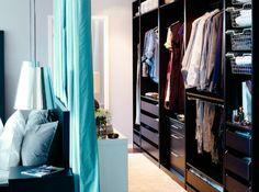 Aujourd'hui, le dressing avec rideau est une solution pratique et jolie qui s'impose dans plusieurs espaces, grands ou petits, pour des raisons diverses.
