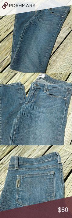 "PAIGE SKINNY JEANS Paige Skinny Jeans  Size 27 Peg Skinny  27"" Waist 28"" Inseam  Ziggy Wash Great Condition B12 Paige Jeans Jeans Skinny"
