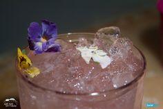 Εσείς, έχετε δοκιμάσει το cocktail μας με elderflower; Αν όχι, σπεύσατε!