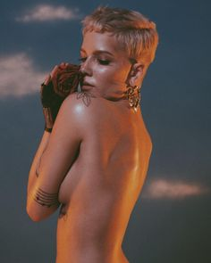 """Halsey Updates on Instagram: """"Halsey: im pleased to announce my upcoming album, this june, is titled: hopeless fountain kingdom. see you soon. ✨"""""""""""