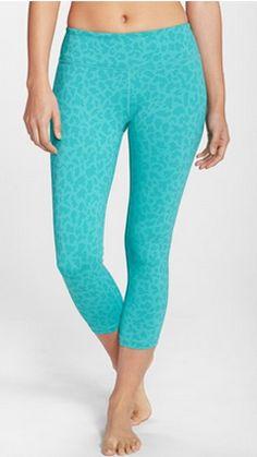 Mint leopard print workout capris http://rstyle.me/n/vqkfmnyg6