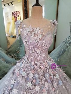 2017 Real Photos Evening Dress Lace Flowers Ball Gown Long Party Formal Dress Organza 2017 Real Photos Evening Dress Lace Flowers Ball Gown Long Party Formal Dress Organza on Luulla Sweet 16 Dresses, 15 Dresses, Ball Dresses, Pretty Dresses, Beautiful Dresses, Formal Dresses, Lace Evening Dresses, Lace Dress, Fantasy Gowns