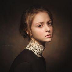 Portrait © by Paul Apal'kin Foto Portrait, Beauty Portrait, Female Portrait, Portrait Art, Photographie Portrait Inspiration, Classic Portraits, Portrait Lighting, Jolie Photo, Studio Portraits