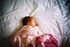 #newborn #photography #newbornpose
