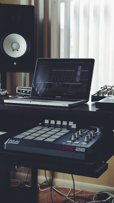20 Home Studio Recording Setup Ideas To Inspire You... http://www.infamousmusician.com/20-home-studio-recording-setup-ideas-to-inspire-you/ ☮★ DiamondB! Pinned ★☮