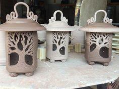 clay lantern ile ilgili görsel sonucu by louellaa Ceramic Lantern, Ceramic Light, Hand Built Pottery, Slab Pottery, Beginner Pottery, Pottery Handbuilding, Creta, Ceramics Projects, Clay Projects