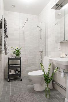 IKEA Raskog trolley for bathroom spares Bathroom Hacks, Ikea Bathroom, Bathroom Toilets, Bathroom Storage, Bathroom Interior, Bathroom Ideas, Bathroom Cart, Small Bathroom With Shower, Remodel Bathroom