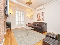 Charming 2 Bed in Down Town   Holiday Rental in Manhattan from @HomeAwayUK #holiday #rental #travel #homeaway