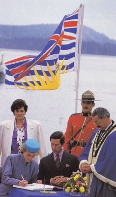 Diana and Charles at a Reception at Swy-A-Lane Park in Nanaimo, British Columbia, where they unveil a cairn dedicating Nanaimo as The Harbour City Princess Diana And Charles, Princess Margaret, Prince And Princess, Princess Charlotte, Prince Charles, Elizabeth Ii, Diana Williams, Princes Diana, Diane