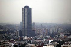Policía del DF reporta presencia de dos bombas en Torre de Pemex