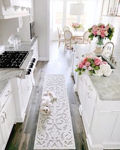 Home Decor For Small Spaces My Texas House Kitchen Runner Rug.Home Decor For Small Spaces My Texas House Kitchen Runner Rug Deco Design, Küchen Design, House Design, Design Ideas, Interior Design Career, Interior Design Living Room, Home Decor Kitchen, Home Kitchens, Kitchen Ideas