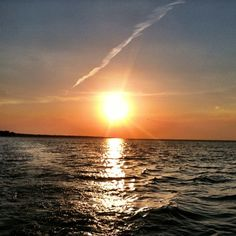 #Lake Erie sunset.   Lake Erie shore    Share     http://www.linksbuffalo.com/place/buffalo-olmsted-parks-conservancy/