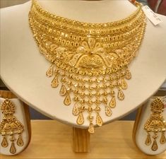 Gold Jewelry For Sale, Gold Wedding Jewelry, Bridal Jewelry, Dubai Gold Jewelry, Jewelry Sets, Gold Chain Design, Gold Jewellery Design, Gold Earrings Designs, Gold Set