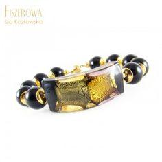 Arlecchino.  Efektowna, duża bransoleta wykonana z pięknego korala Murano z kolekcji Arlecchino oraz kul onyksu. Całość wykończona złoconym srebrem. Bransoleta zapinana jest wygodnym, magnetycznym zapięciem. Wielkość korala Murano: 4,5 cm x 1,7 cm. Długość bransolety: 21 cm - pasuje na nadgarstek 16 - 16,5 cm. Kulfi