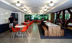 Sillas Eames Plastic de Vitra en las oficinas de Microsoft