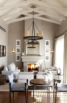 """Check Out 17 Narrow Living Room Ideas To Get Inspired. Do you have a narrow living room in your house and you are like """"Ugh, how am I supposed to put everything in here? Narrow Living Room, Home Living Room, Living Spaces, Small Living, Cozy Living, Style At Home, Sweet Home, Great Rooms, Home Fashion"""