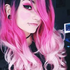 Splendid Pink To Blonde Ombre Wavy Synthetic Lace Front Wig Cute Scene Girls, Cute Emo Girls, Pretty Hairstyles, Wig Hairstyles, Peach Hair Colors, Emo Scene Hair, Pink Wig, Coloured Hair, Maquillage Halloween