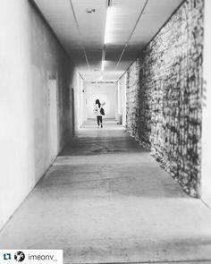 #Repost @imeonv_  #museodellacittàdirimini #mybiennalern #rimini #blackandwhitephotography #corridoio #lightsarchitecture #simmetry #hall