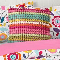 Pom pom pillow. Love this, must do!