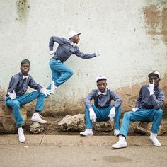 Members of the Rea Iketsetsa posing in their signature fashion in Soweto. Pantsula, a dance that is more like a way of life, captivated Chris Saunders, who set out to document a subculture with roots in jazz and hip-hop. African Dance, Its Nice That, Street Culture, Political Issues, Dance Fashion, Dance Photos, Dance Videos, Way Of Life, Ny Times