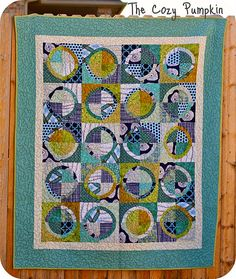 "Amanda Lipscomb's ""Porthole With a View"" - This is the quilt Jemellia was referring to on the OKCMQG fb post."