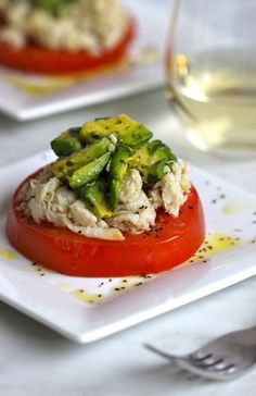 Climbing Grier Mountain crab and tomato salad with jalapeno avocado dressing - Climbing Grier Mountain Healthy Snacks, Healthy Eating, Healthy Recipes, Seafood Recipes, Cooking Recipes, Avocado Dressing, Tomato Salad, Soup And Salad, Salad Recipes
