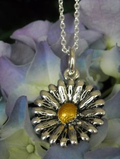 New ! ~ Silver Flower daisy(?) NECKLACE  ~ on SALE this week by GlamRusJewels on Etsy
